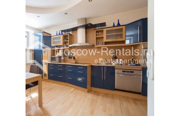 """Photo #4 3-room (2 BR) apartment for <a href=""""http://moscow-rentals.ru/en/articles/long-term-rent"""" target=""""_blank"""">a long-term</a> rent  in Russia, Moscow, Daev lane, 5"""
