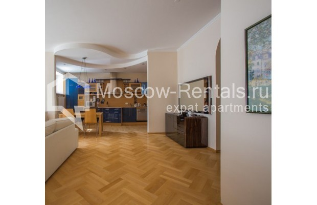 """Photo #3 3-room (2 BR) apartment for <a href=""""http://moscow-rentals.ru/en/articles/long-term-rent"""" target=""""_blank"""">a long-term</a> rent  in Russia, Moscow, Daev lane, 5"""