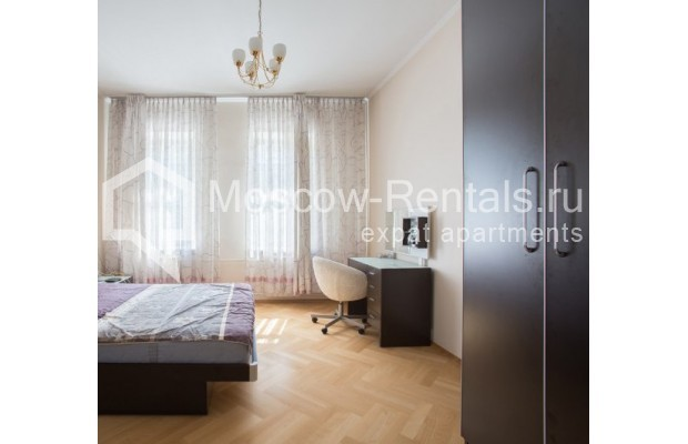"""Photo #8 3-room (2 BR) apartment for <a href=""""http://moscow-rentals.ru/en/articles/long-term-rent"""" target=""""_blank"""">a long-term</a> rent  in Russia, Moscow, Daev lane, 5"""