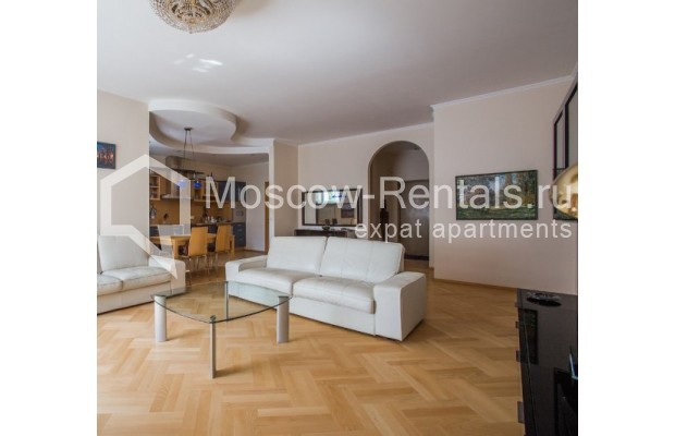 """Photo #2 3-room (2 BR) apartment for <a href=""""http://moscow-rentals.ru/en/articles/long-term-rent"""" target=""""_blank"""">a long-term</a> rent  in Russia, Moscow, Daev lane, 5"""