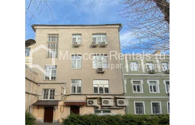 "Photo #11 3-room (2 BR) apartment for <a href=""http://moscow-rentals.ru/en/articles/long-term-rent"" target=""_blank"">a long-term</a> rent  in Russia, Moscow, Gusyatnikov lane, 4С4"
