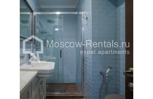 "Photo #10 3-room (2 BR) apartment for <a href=""http://moscow-rentals.ru/en/articles/long-term-rent"" target=""_blank"">a long-term</a> rent  in Russia, Moscow, Gusyatnikov lane, 4С4"