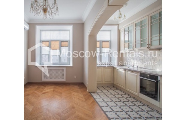 "Photo #1 3-room (2 BR) apartment for <a href=""http://moscow-rentals.ru/en/articles/long-term-rent"" target=""_blank"">a long-term</a> rent  in Russia, Moscow, Gusyatnikov lane, 4С4"