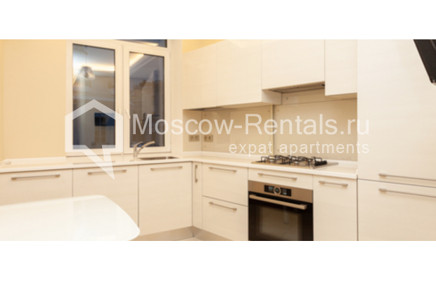 """Photo #1 3-room (2 BR) apartment for <a href=""""http://moscow-rentals.ru/en/articles/long-term-rent"""" target=""""_blank"""">a long-term</a> rent  in Russia, Moscow, B. Levshinskyi lane, 3/5"""