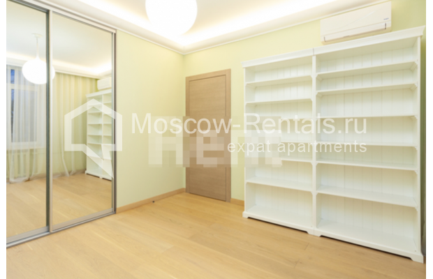 """Photo #7 3-room (2 BR) apartment for <a href=""""http://moscow-rentals.ru/en/articles/long-term-rent"""" target=""""_blank"""">a long-term</a> rent  in Russia, Moscow, B. Levshinskyi lane, 3/5"""