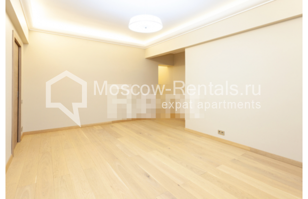 """Photo #9 3-room (2 BR) apartment for <a href=""""http://moscow-rentals.ru/en/articles/long-term-rent"""" target=""""_blank"""">a long-term</a> rent  in Russia, Moscow, B. Levshinskyi lane, 3/5"""