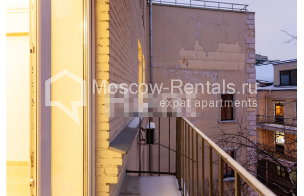 """Photo #12 3-room (2 BR) apartment for <a href=""""http://moscow-rentals.ru/en/articles/long-term-rent"""" target=""""_blank"""">a long-term</a> rent  in Russia, Moscow, B. Levshinskyi lane, 3/5"""