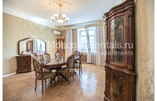 """Photo #3 3-room (2 BR) apartment for <a href=""""http://moscow-rentals.ru/en/articles/long-term-rent"""" target=""""_blank"""">a long-term</a> rent  in Russia, Moscow, Tarasa Shevchenko emb, 1"""