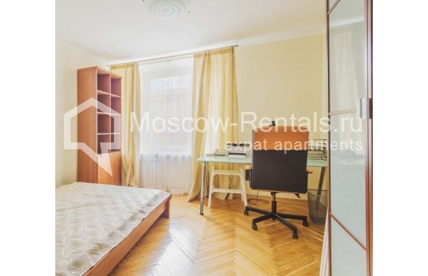 """Photo #9 3-room (2 BR) apartment for <a href=""""http://moscow-rentals.ru/en/articles/long-term-rent"""" target=""""_blank"""">a long-term</a> rent  in Russia, Moscow, B. Afanasievskyi lane, 35-37С4"""