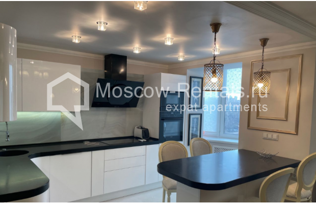 """Photo #1 3-room (2 BR) apartment for <a href=""""http://moscow-rentals.ru/en/articles/long-term-rent"""" target=""""_blank"""">a long-term</a> rent  in Russia, Moscow, Gruzinskyi val, 14"""