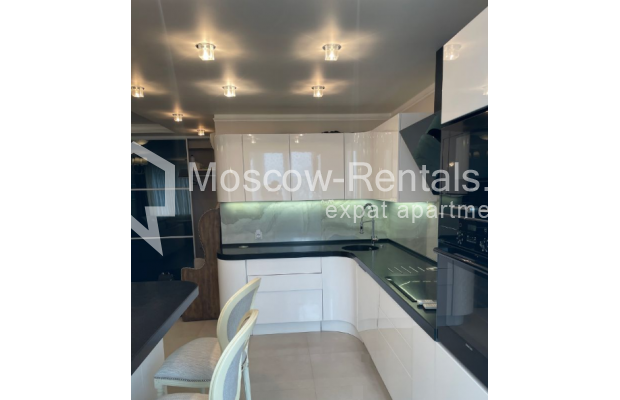 """Photo #2 3-room (2 BR) apartment for <a href=""""http://moscow-rentals.ru/en/articles/long-term-rent"""" target=""""_blank"""">a long-term</a> rent  in Russia, Moscow, Gruzinskyi val, 14"""