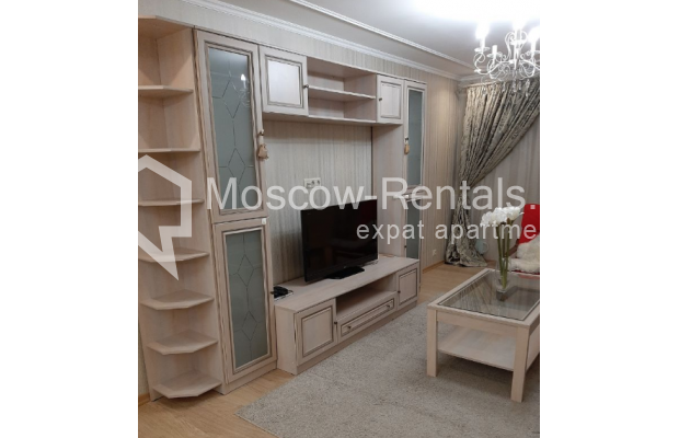 """Photo #3 3-room (2 BR) apartment for <a href=""""http://moscow-rentals.ru/en/articles/long-term-rent"""" target=""""_blank"""">a long-term</a> rent  in Russia, Moscow, B. Spasskaya str, 31"""