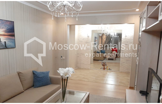 """Photo #2 3-room (2 BR) apartment for <a href=""""http://moscow-rentals.ru/en/articles/long-term-rent"""" target=""""_blank"""">a long-term</a> rent  in Russia, Moscow, B. Spasskaya str, 31"""