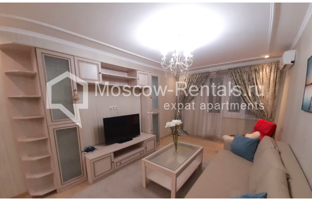 """Photo #4 3-room (2 BR) apartment for <a href=""""http://moscow-rentals.ru/en/articles/long-term-rent"""" target=""""_blank"""">a long-term</a> rent  in Russia, Moscow, B. Spasskaya str, 31"""