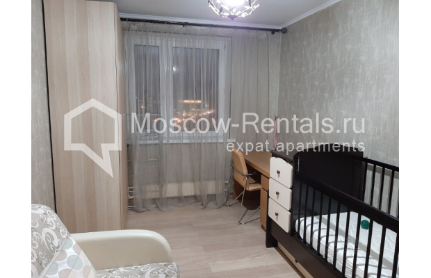 """Photo #5 3-room (2 BR) apartment for <a href=""""http://moscow-rentals.ru/en/articles/long-term-rent"""" target=""""_blank"""">a long-term</a> rent  in Russia, Moscow, B. Spasskaya str, 31"""