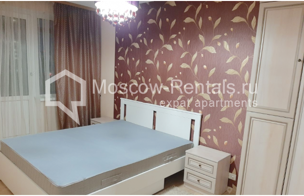 """Photo #8 3-room (2 BR) apartment for <a href=""""http://moscow-rentals.ru/en/articles/long-term-rent"""" target=""""_blank"""">a long-term</a> rent  in Russia, Moscow, B. Spasskaya str, 31"""