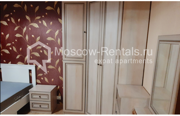 """Photo #9 3-room (2 BR) apartment for <a href=""""http://moscow-rentals.ru/en/articles/long-term-rent"""" target=""""_blank"""">a long-term</a> rent  in Russia, Moscow, B. Spasskaya str, 31"""