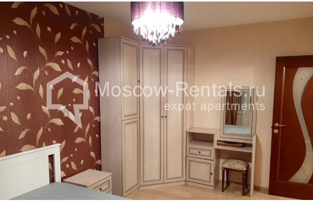 """Photo #10 3-room (2 BR) apartment for <a href=""""http://moscow-rentals.ru/en/articles/long-term-rent"""" target=""""_blank"""">a long-term</a> rent  in Russia, Moscow, B. Spasskaya str, 31"""