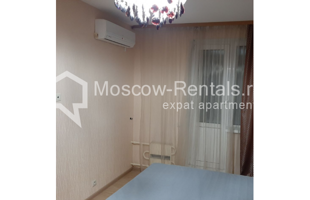 """Photo #11 3-room (2 BR) apartment for <a href=""""http://moscow-rentals.ru/en/articles/long-term-rent"""" target=""""_blank"""">a long-term</a> rent  in Russia, Moscow, B. Spasskaya str, 31"""