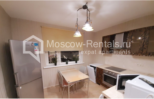 """Photo #12 3-room (2 BR) apartment for <a href=""""http://moscow-rentals.ru/en/articles/long-term-rent"""" target=""""_blank"""">a long-term</a> rent  in Russia, Moscow, B. Spasskaya str, 31"""