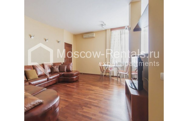 """Photo #2 3-room (2 BR) apartment for <a href=""""http://moscow-rentals.ru/en/articles/long-term-rent"""" target=""""_blank"""">a long-term</a> rent  in Russia, Moscow, Novolesnoi lane, 5"""
