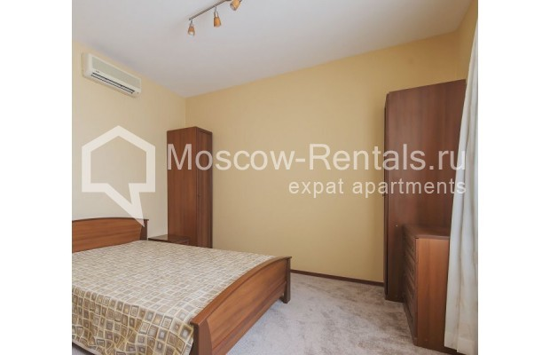 """Photo #10 3-room (2 BR) apartment for <a href=""""http://moscow-rentals.ru/en/articles/long-term-rent"""" target=""""_blank"""">a long-term</a> rent  in Russia, Moscow, Novolesnoi lane, 5"""