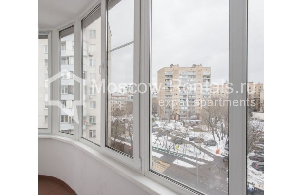 """Photo #16 3-room (2 BR) apartment for <a href=""""http://moscow-rentals.ru/en/articles/long-term-rent"""" target=""""_blank"""">a long-term</a> rent  in Russia, Moscow, Novolesnoi lane, 5"""
