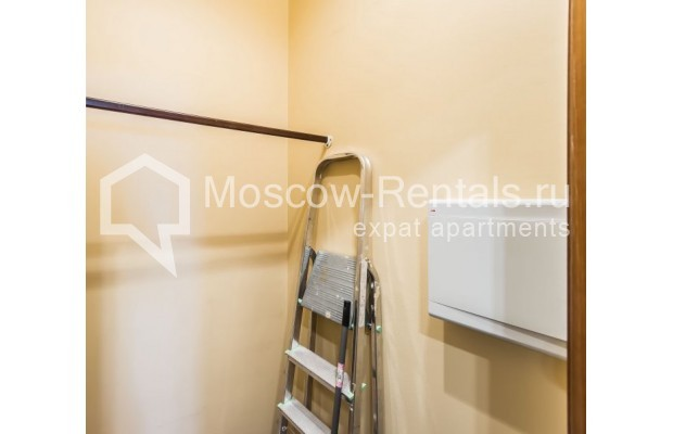 """Photo #19 3-room (2 BR) apartment for <a href=""""http://moscow-rentals.ru/en/articles/long-term-rent"""" target=""""_blank"""">a long-term</a> rent  in Russia, Moscow, Novolesnoi lane, 5"""
