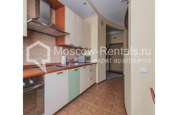 """Photo #7 3-room (2 BR) apartment for <a href=""""http://moscow-rentals.ru/en/articles/long-term-rent"""" target=""""_blank"""">a long-term</a> rent  in Russia, Moscow, Novolesnoi lane, 5"""