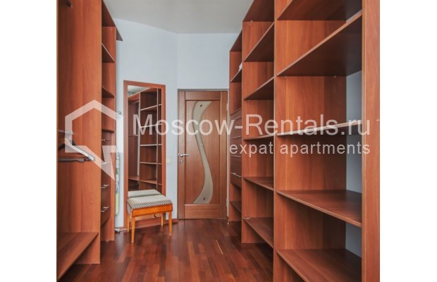 """Photo #13 3-room (2 BR) apartment for <a href=""""http://moscow-rentals.ru/en/articles/long-term-rent"""" target=""""_blank"""">a long-term</a> rent  in Russia, Moscow, Novolesnoi lane, 5"""