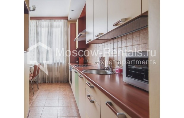 """Photo #8 3-room (2 BR) apartment for <a href=""""http://moscow-rentals.ru/en/articles/long-term-rent"""" target=""""_blank"""">a long-term</a> rent  in Russia, Moscow, Novolesnoi lane, 5"""