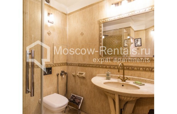 """Photo #11 3-room (2 BR) apartment for <a href=""""http://moscow-rentals.ru/en/articles/long-term-rent"""" target=""""_blank"""">a long-term</a> rent  in Russia, Moscow, M. Levshinskyi lane, 14/9С1"""