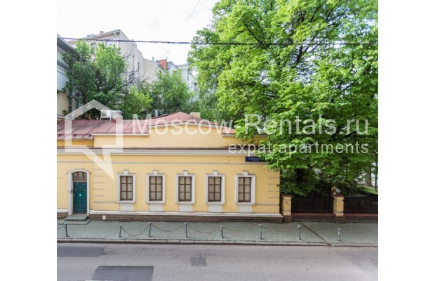 """Photo #13 3-room (2 BR) apartment for <a href=""""http://moscow-rentals.ru/en/articles/long-term-rent"""" target=""""_blank"""">a long-term</a> rent  in Russia, Moscow, M. Levshinskyi lane, 14/9С1"""