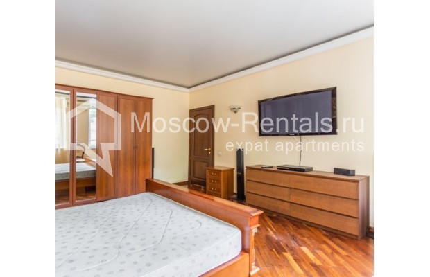 """Photo #9 3-room (2 BR) apartment for <a href=""""http://moscow-rentals.ru/en/articles/long-term-rent"""" target=""""_blank"""">a long-term</a> rent  in Russia, Moscow, M. Levshinskyi lane, 14/9С1"""