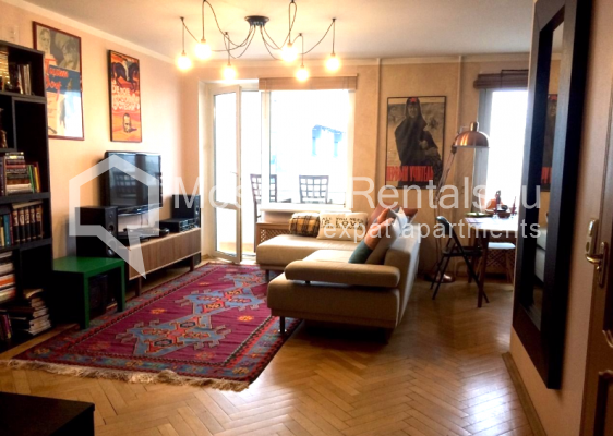 "Photo #1 3-room (2 BR) apartment <u>for a long-term rent</u> (<a href=""http://moscow-rentals.ru/en/articles/long-term-rent"" target=""_blank"">FAQ</a>)    in Russia, Moscow, B. Sukharevsky lane., 14"