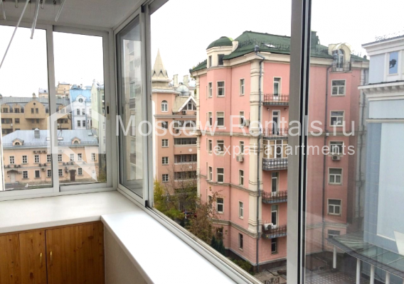 "Photo #9 3-room (2 BR) apartment <u>for a long-term rent</u> (<a href=""http://moscow-rentals.ru/en/articles/long-term-rent"" target=""_blank"">FAQ</a>)    in Russia, Moscow, B. Sukharevsky lane., 14"