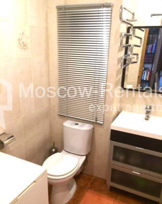 "Photo #10 3-room (2 BR) apartment <u>for a long-term rent</u> (<a href=""http://moscow-rentals.ru/en/articles/long-term-rent"" target=""_blank"">FAQ</a>)    in Russia, Moscow, B. Sukharevsky lane., 14"