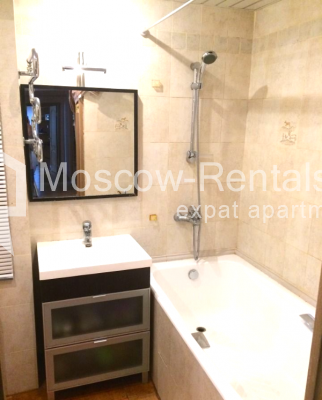 "Photo #11 3-room (2 BR) apartment <u>for a long-term rent</u> (<a href=""http://moscow-rentals.ru/en/articles/long-term-rent"" target=""_blank"">FAQ</a>)    in Russia, Moscow, B. Sukharevsky lane., 14"