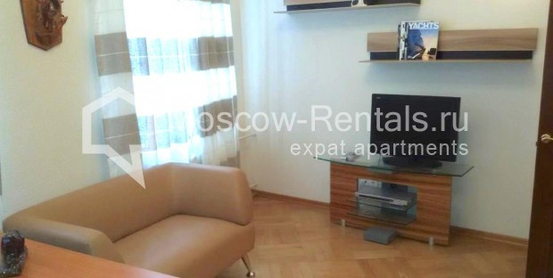 "Photo #5 3-room (2 BR) apartment <u>for a long-term rent</u> (<a href=""http://moscow-rentals.ru/en/articles/long-term-rent"" target=""_blank"">FAQ</a>)    in Russia, Moscow, Neglinnaya str, 18/1"