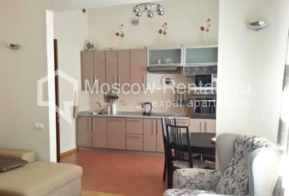 "Photo #2 3-room (2 BR) apartment <u>for a long-term rent</u> (<a href=""http://moscow-rentals.ru/en/articles/long-term-rent"" target=""_blank"">FAQ</a>)    in Russia, Moscow, Neglinnaya str, 18/1"