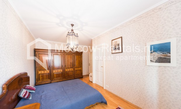 "Photo #9 3-room (2 BR) apartment for <a href=""http://moscow-rentals.ru/en/articles/long-term-rent"" target=""_blank"">a long-term</a> rent  in Russia, Moscow, Petrovka str, 26С2"