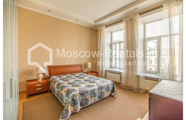 """Photo #10 3-room (2 BR) apartment for <a href=""""http://moscow-rentals.ru/en/articles/long-term-rent"""" target=""""_blank"""">a long-term</a> rent  in Russia, Moscow, 1st Kolobovsky lane, 10c1"""