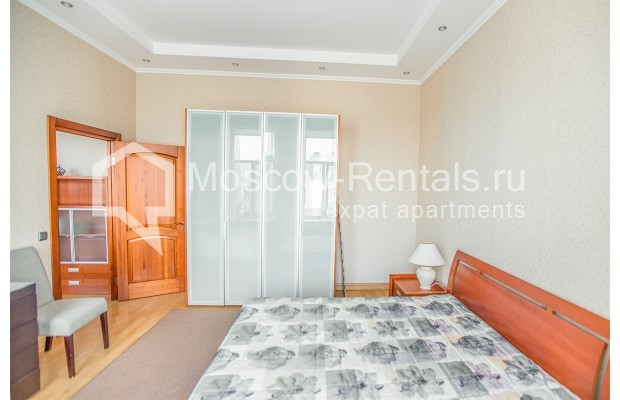 """Photo #11 3-room (2 BR) apartment for <a href=""""http://moscow-rentals.ru/en/articles/long-term-rent"""" target=""""_blank"""">a long-term</a> rent  in Russia, Moscow, 1st Kolobovsky lane, 10c1"""