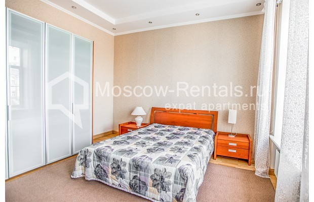 """Photo #12 3-room (2 BR) apartment for <a href=""""http://moscow-rentals.ru/en/articles/long-term-rent"""" target=""""_blank"""">a long-term</a> rent  in Russia, Moscow, 1st Kolobovsky lane, 10c1"""