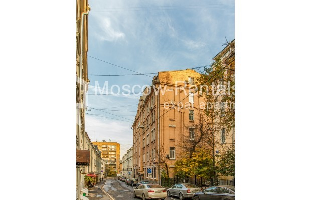 """Photo #22 3-room (2 BR) apartment for <a href=""""http://moscow-rentals.ru/en/articles/long-term-rent"""" target=""""_blank"""">a long-term</a> rent  in Russia, Moscow, 1st Kolobovsky lane, 10c1"""