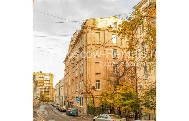 """Photo #23 3-room (2 BR) apartment for <a href=""""http://moscow-rentals.ru/en/articles/long-term-rent"""" target=""""_blank"""">a long-term</a> rent  in Russia, Moscow, 1st Kolobovsky lane, 10c1"""