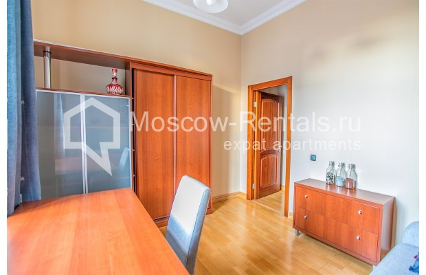 """Photo #15 3-room (2 BR) apartment for <a href=""""http://moscow-rentals.ru/en/articles/long-term-rent"""" target=""""_blank"""">a long-term</a> rent  in Russia, Moscow, 1st Kolobovsky lane, 10c1"""