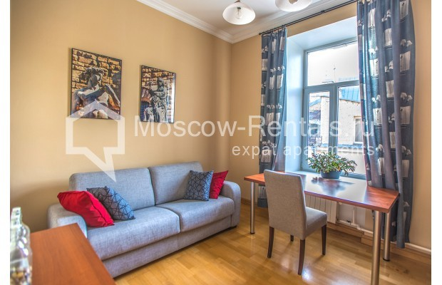 """Photo #13 3-room (2 BR) apartment for <a href=""""http://moscow-rentals.ru/en/articles/long-term-rent"""" target=""""_blank"""">a long-term</a> rent  in Russia, Moscow, 1st Kolobovsky lane, 10c1"""