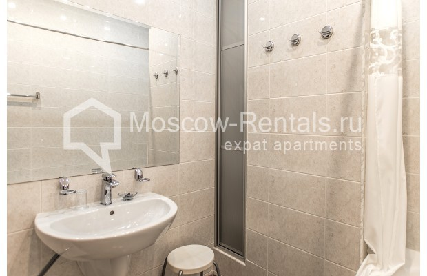"""Photo #19 3-room (2 BR) apartment for <a href=""""http://moscow-rentals.ru/en/articles/long-term-rent"""" target=""""_blank"""">a long-term</a> rent  in Russia, Moscow, 1st Kolobovsky lane, 10c1"""