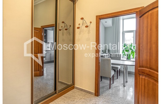 """Photo #6 3-room (2 BR) apartment for <a href=""""http://moscow-rentals.ru/en/articles/long-term-rent"""" target=""""_blank"""">a long-term</a> rent  in Russia, Moscow, 1st Kolobovsky lane, 10c1"""
